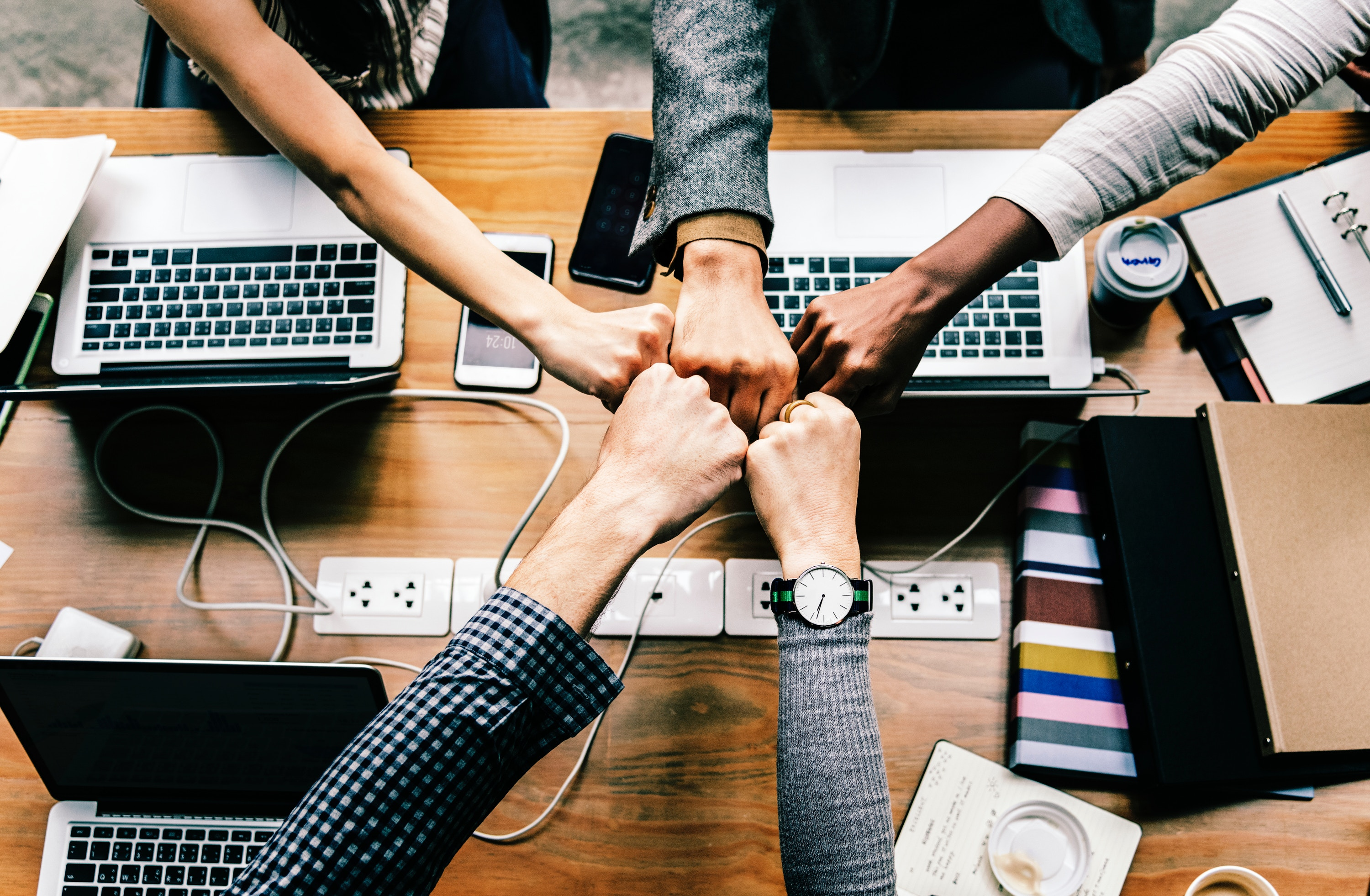 Contract management software helps accounting, human resources, sales, production, legal counsel, and IT personnel better collaborate.